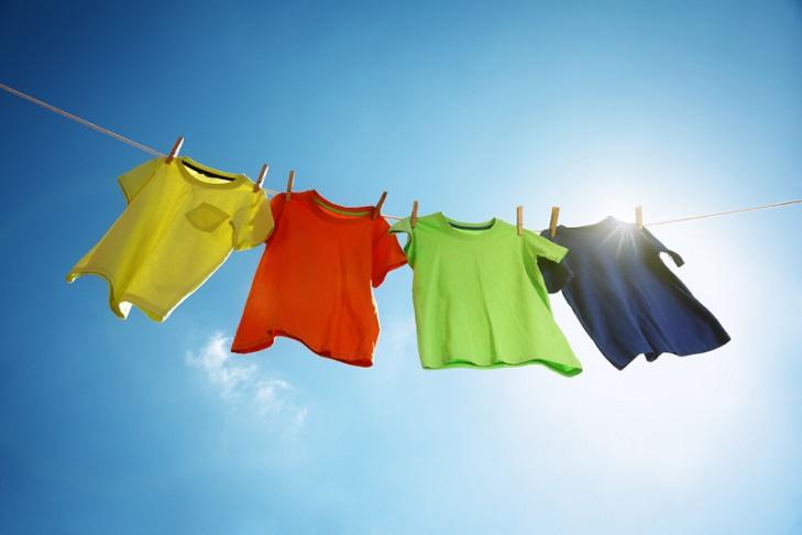 Надоела одежда с запахом сигарет? 3 эффективных способа, которые помогут избавиться от проблемы