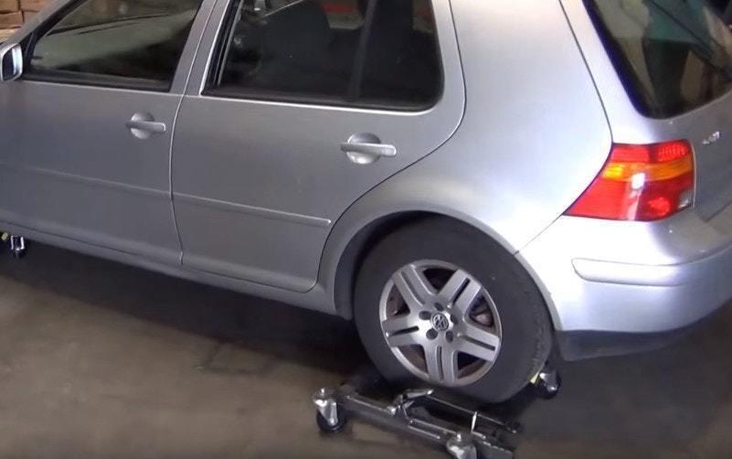 Мужчина всегда парковался на чужом месте. Парень решил отомстить и спрятал его машину