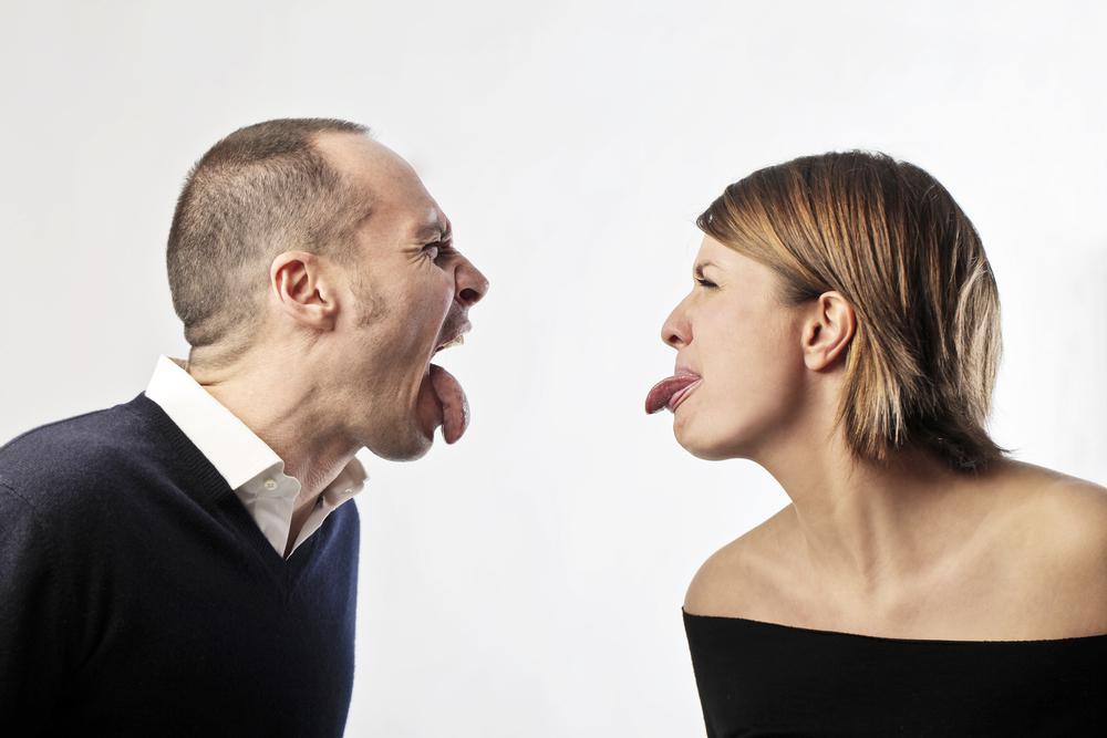 Неспособность решать проблемы и постоянная ложь. Признаки дисфункциональных отношений