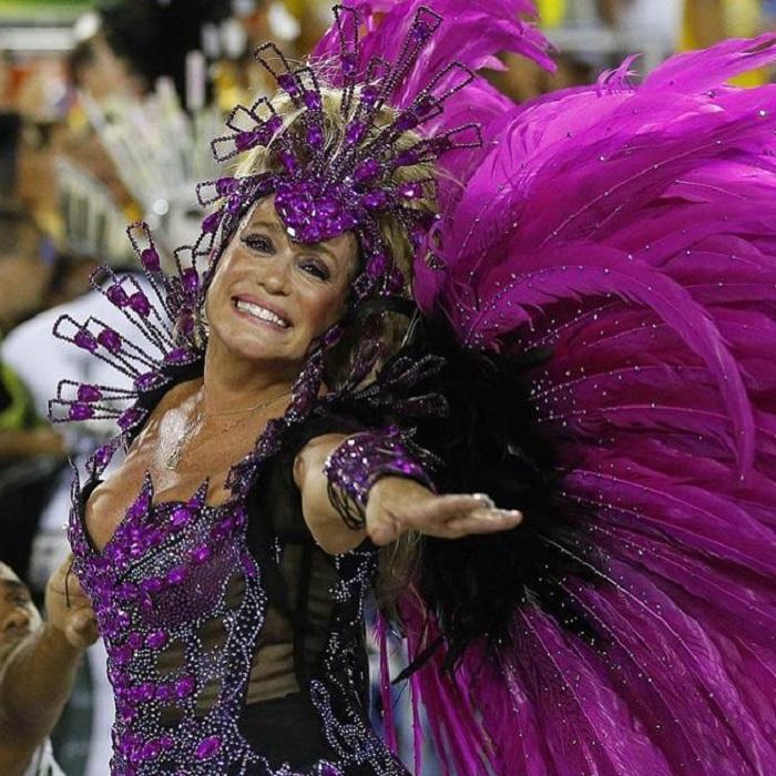 Как ей это удается? 75-летняя бразильская актриса Сюзана Виейра выглядит гораздо моложе своих лет