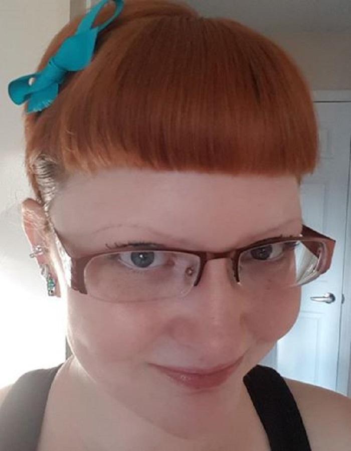 Ребенок должен иметь право отказаться: сотрудница салона красоты уволилась с работы, так как не может проколоть уши ребенку только потому, что этого хочет мама