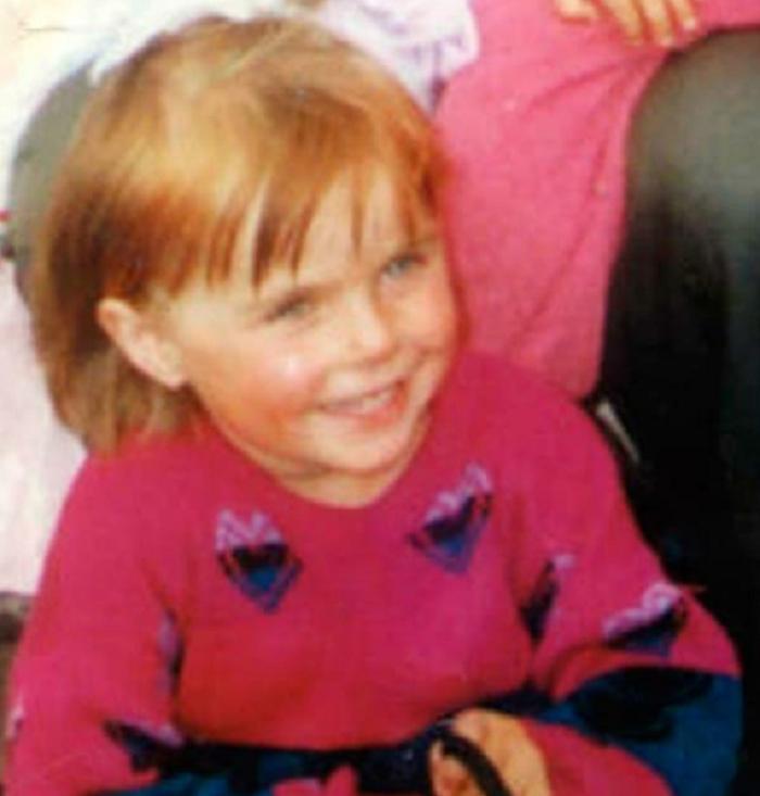 Ее похитили и воспитали как родную дочь, только через 17 лет она нашла свою неблагополучную мать