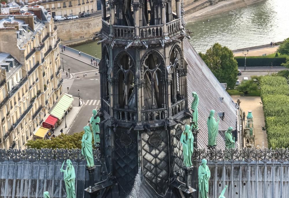 Современный взгляд: Франция запускает конкурс на лучший новый дизайн шпиля Нотр Дам де Пари