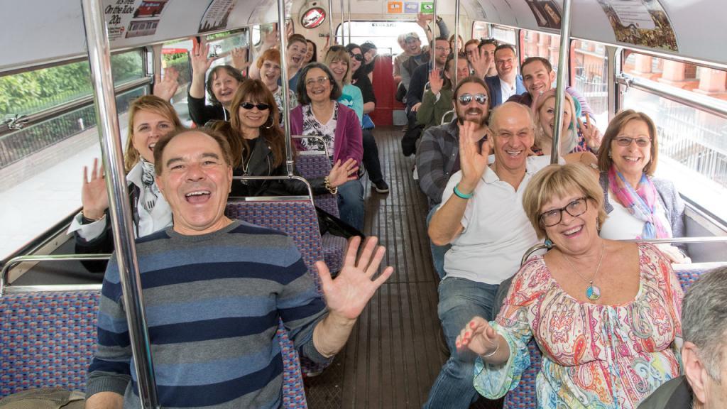 Картинки автобуса с людьми