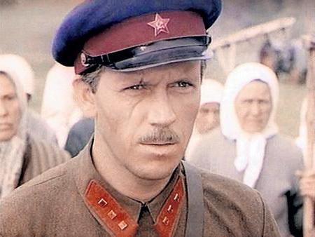 Актер Владлен Бирюков