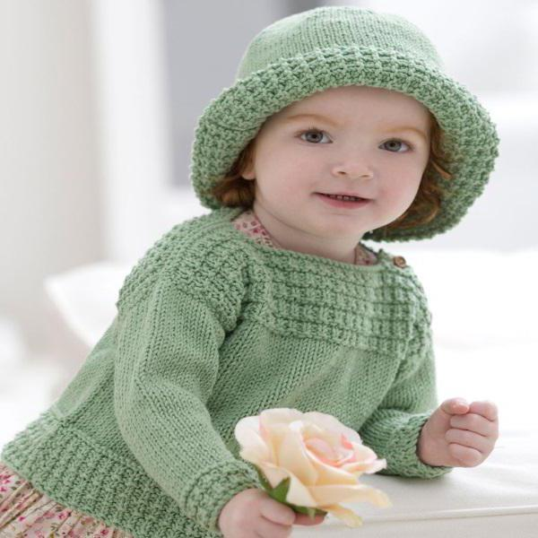 вязать свитер для девочки спицами