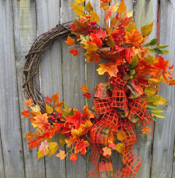 композиция из листьев