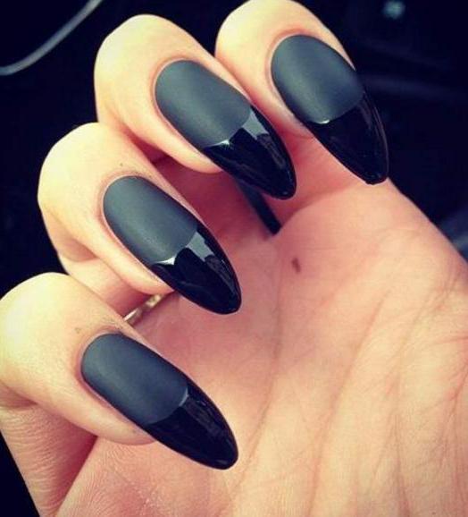 Нарощенные черные матовые ногти