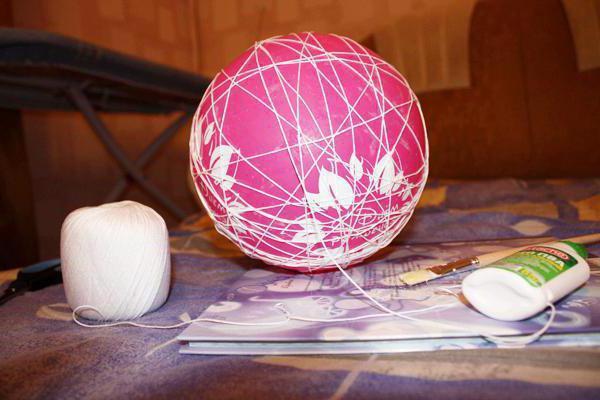 Как сделать шарик из ниток на воздушном шаре