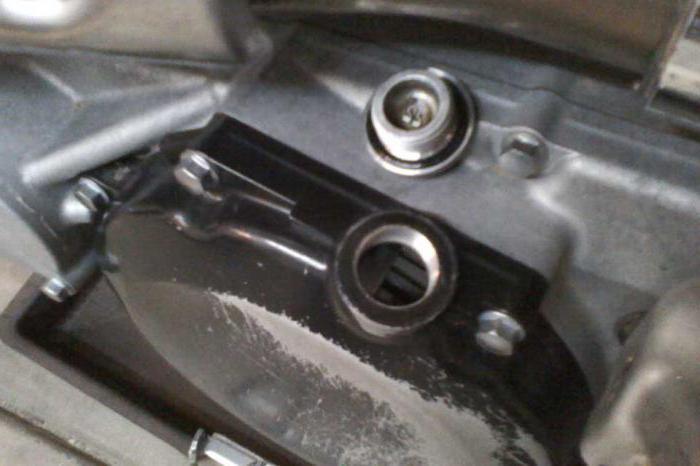 сколько заливать масла в двигатель ВАЗ