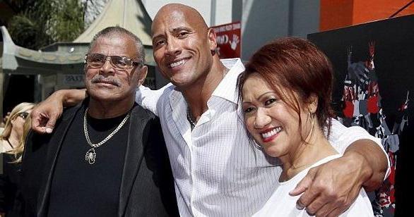 джонсон и его родители