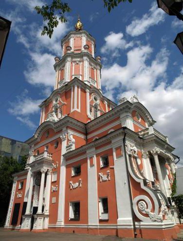 церковь Архангела Гавриила Меньшикова башня