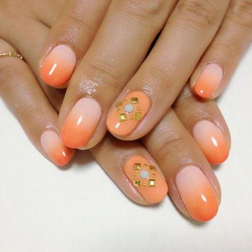 маникюр в персиковых тонах