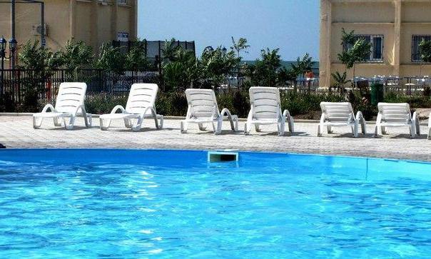 базы отдыха с бассейнами