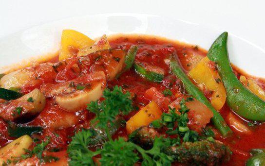 сколько калорий в рагу овощном с курицей