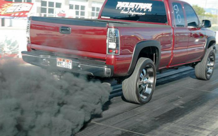 двигатель дымит синим дымом