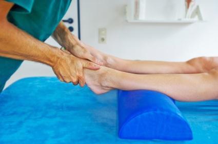 как применять солевые ванны для восстановления голеностопного сустава после перелома