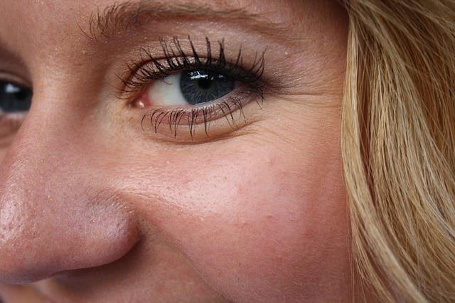 гусиные лапки вокруг глаз