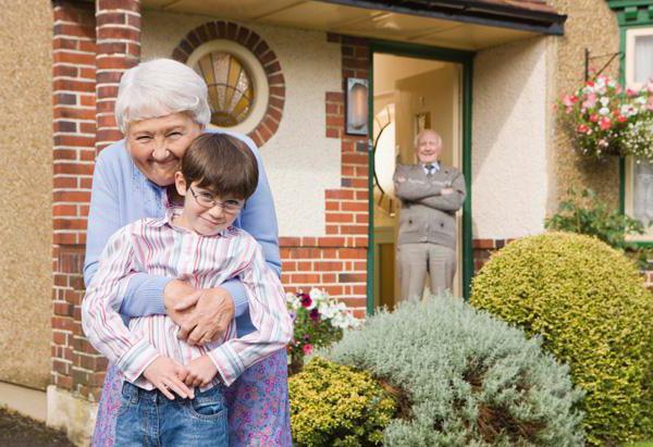 статусы про внуков и бабушек