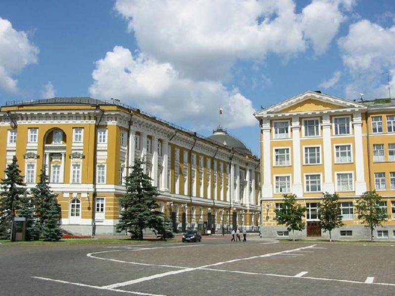 Здания на Ивановской площади