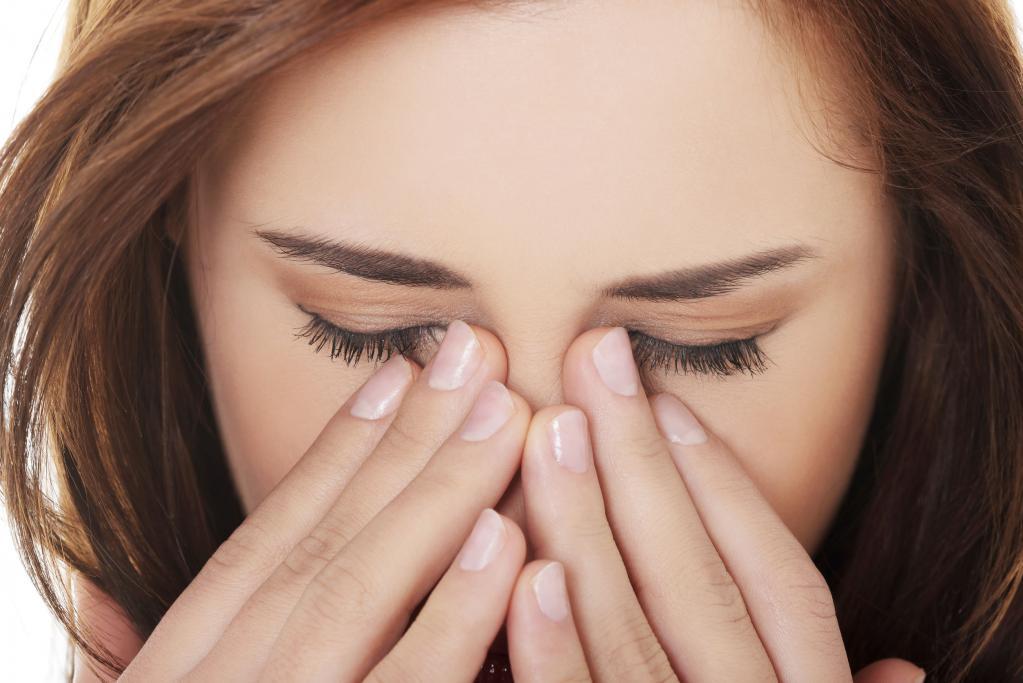 как отличить аллергический насморк от гайморита