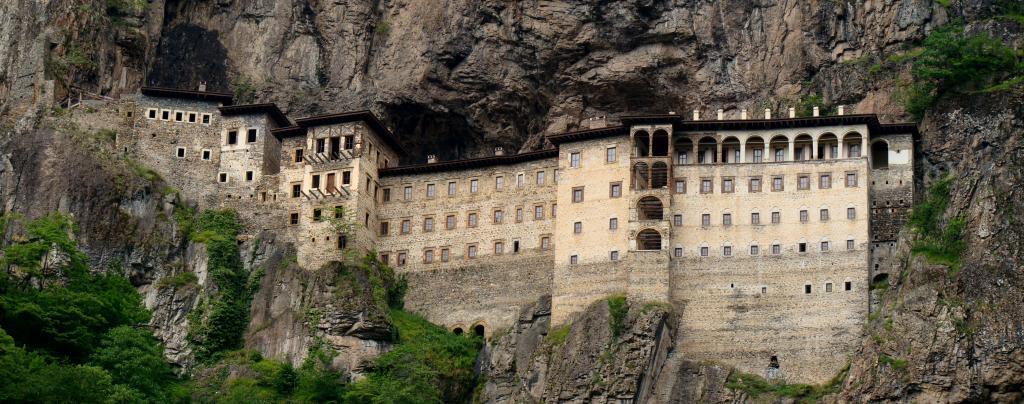 Монастырь в Турции