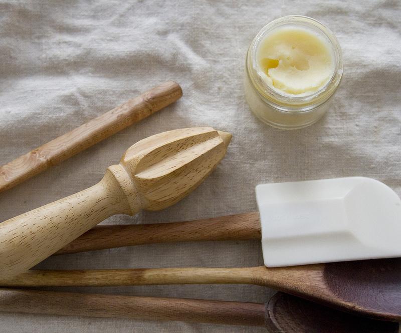Вазелиновое масло для деревянных ложек