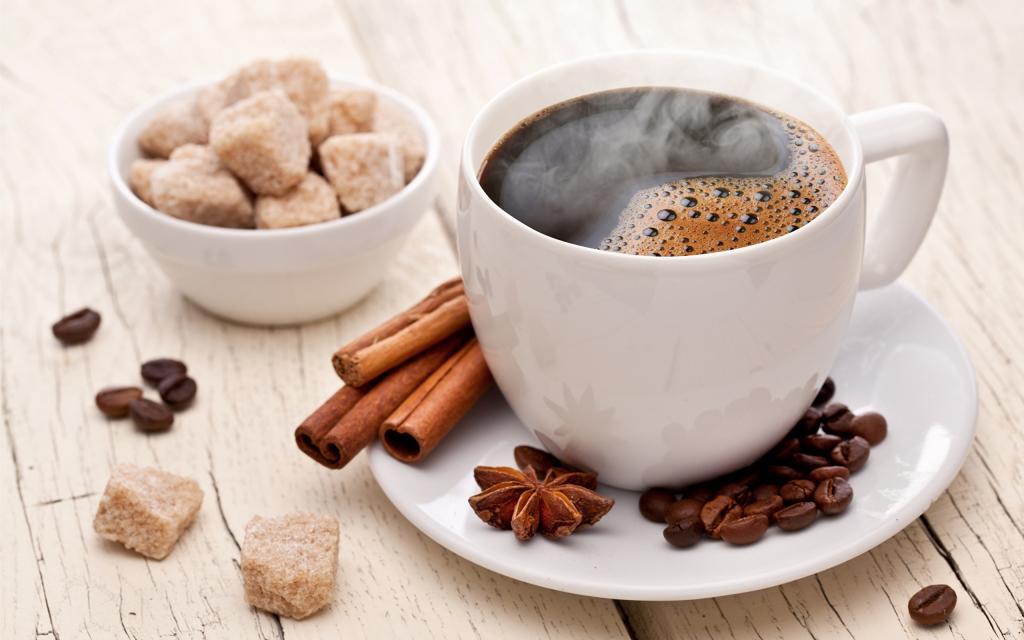 Ароматный кофе с корицей
