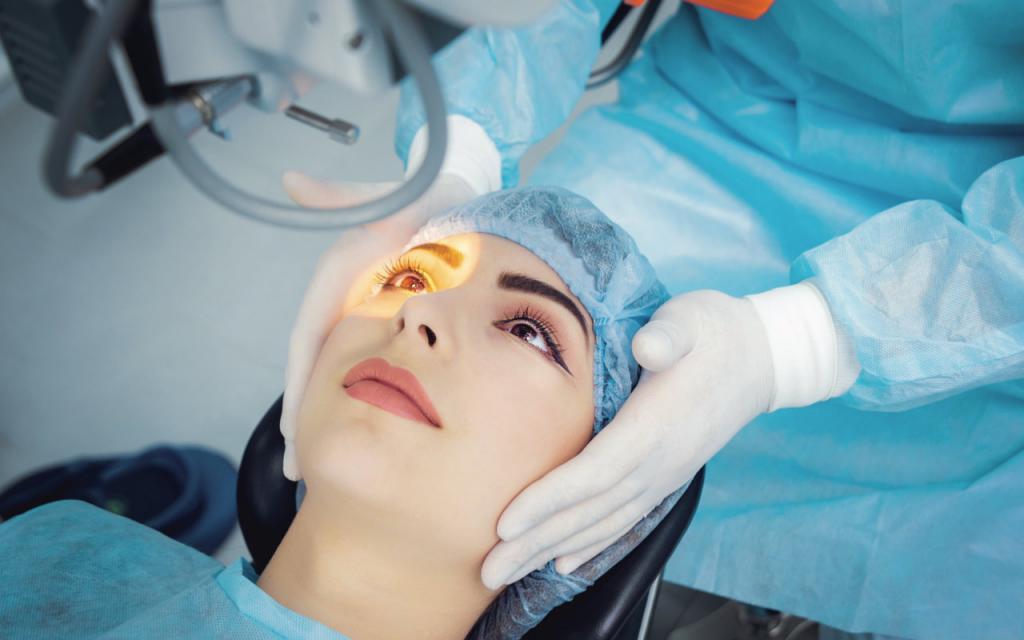 Пластический хирург в Москве получает до 400 000 рублей