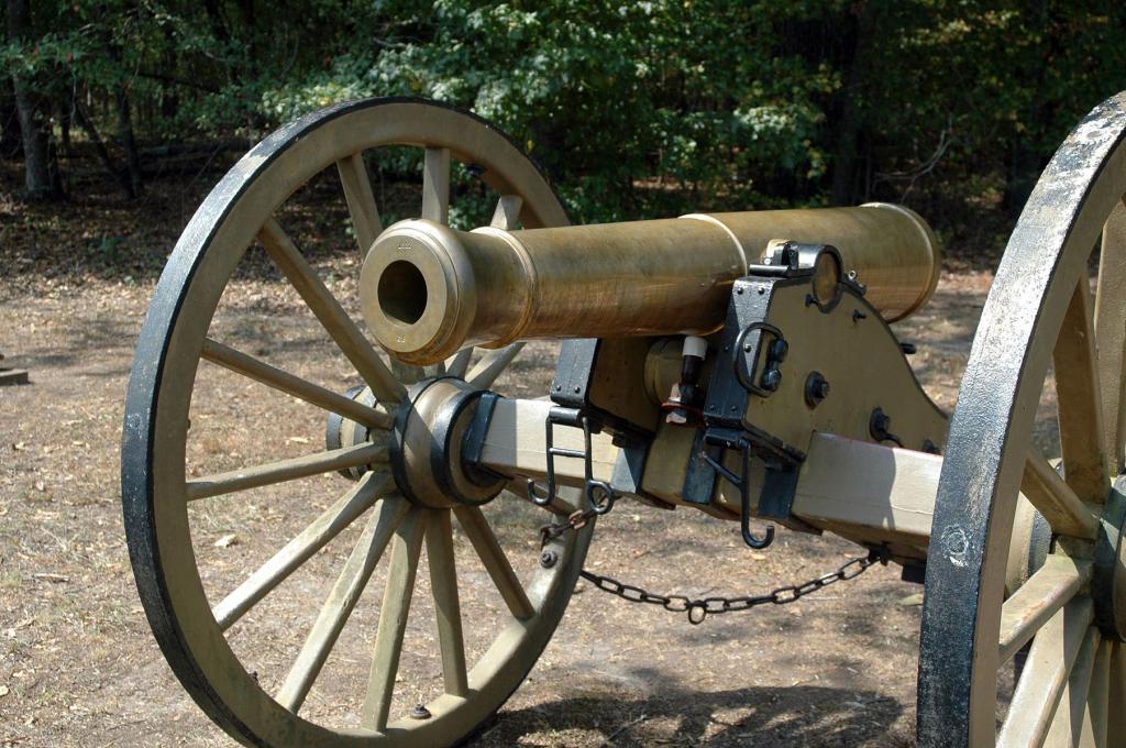Шестифунтовое орудие