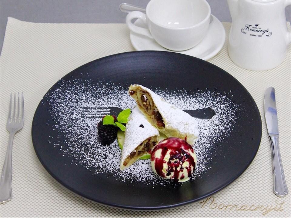 """Десерт в ресторане """"Потаскуй"""""""