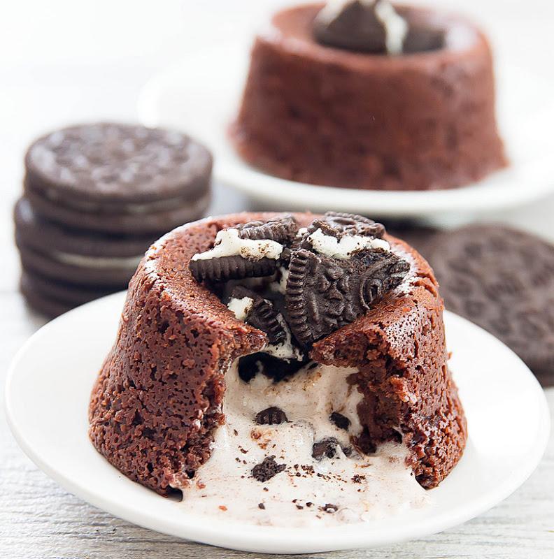 Шоколадные кексы с жидкой сливочной начинкой
