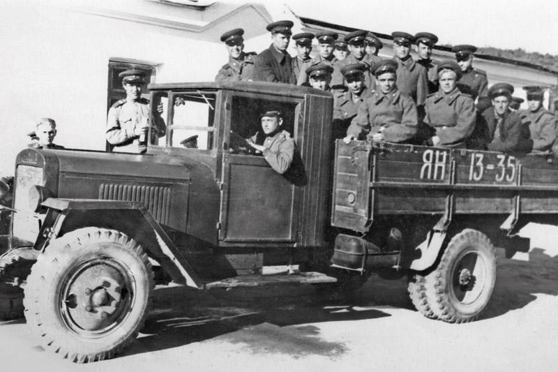 Продукция автомобилестроителей военных лет