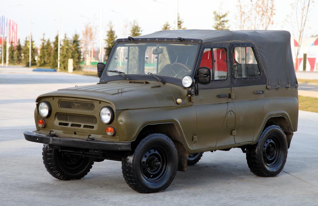 Полноприводной легковой автомобиль УАЗ-469