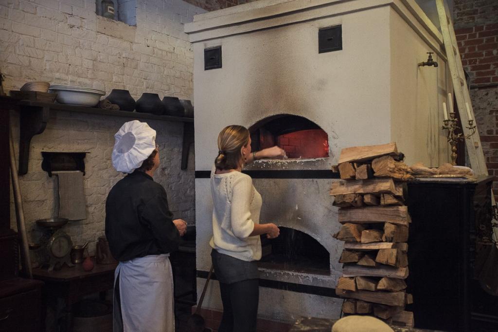 Двухподовая печь в музее