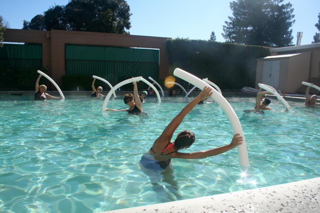 польза плавания в бассейне для мужчин