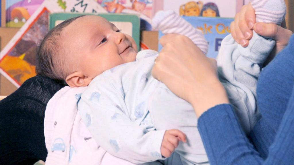 Ребенок 3 месяца развитие игры