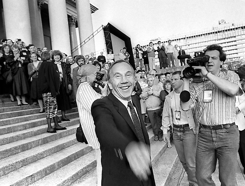 """Гость фестиваля """"Кинотавр"""" американский актер Савелий Крамаров, 1992 г."""