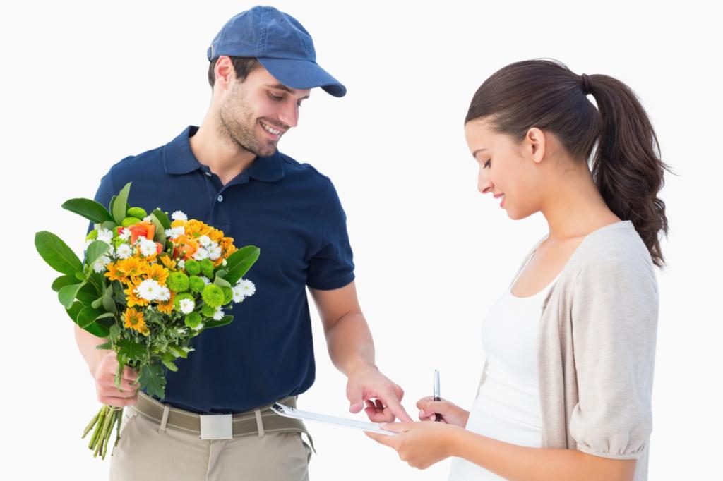 Курьер с цветами и приглашением