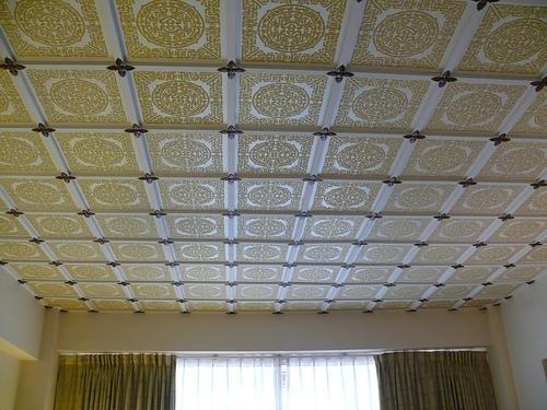 Потолки клеевые