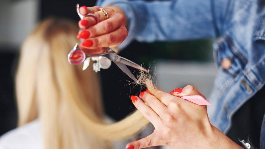полировка волос ножницами