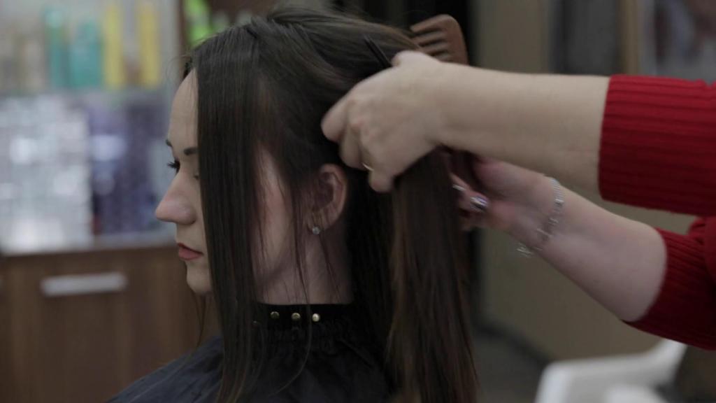 полировка волос дома ножницами