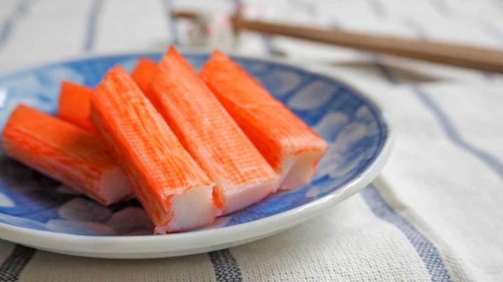 салат кальмары креветки крабовые палочки красная икра