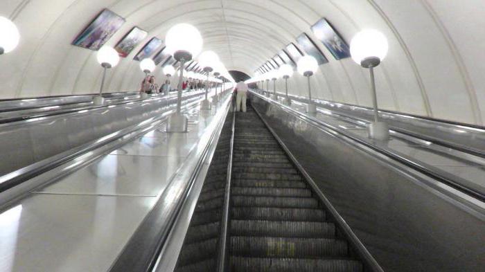 Самый длинный эскалатор в мире находится