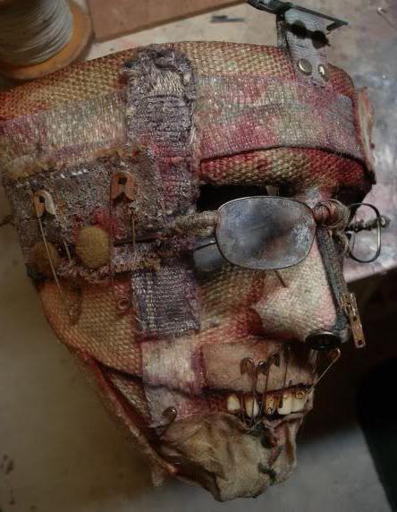 Как сделать своими руками страшные маски