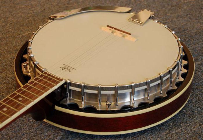 грузинский щипковый музыкальный инструмент