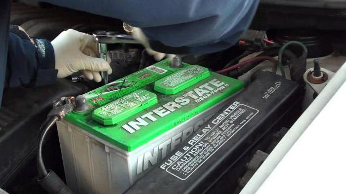сколько можно проехать на аккумуляторе без генератора