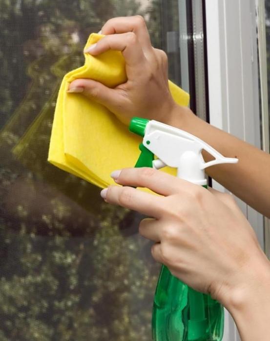 Как мыть пластиковое окно без разводов в домашних условиях 939