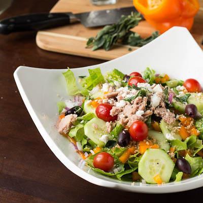 калорийность салата греческого