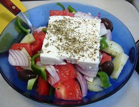 салат греческий с брынзой калорийность